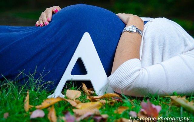 Catherine & Aaron Maternity